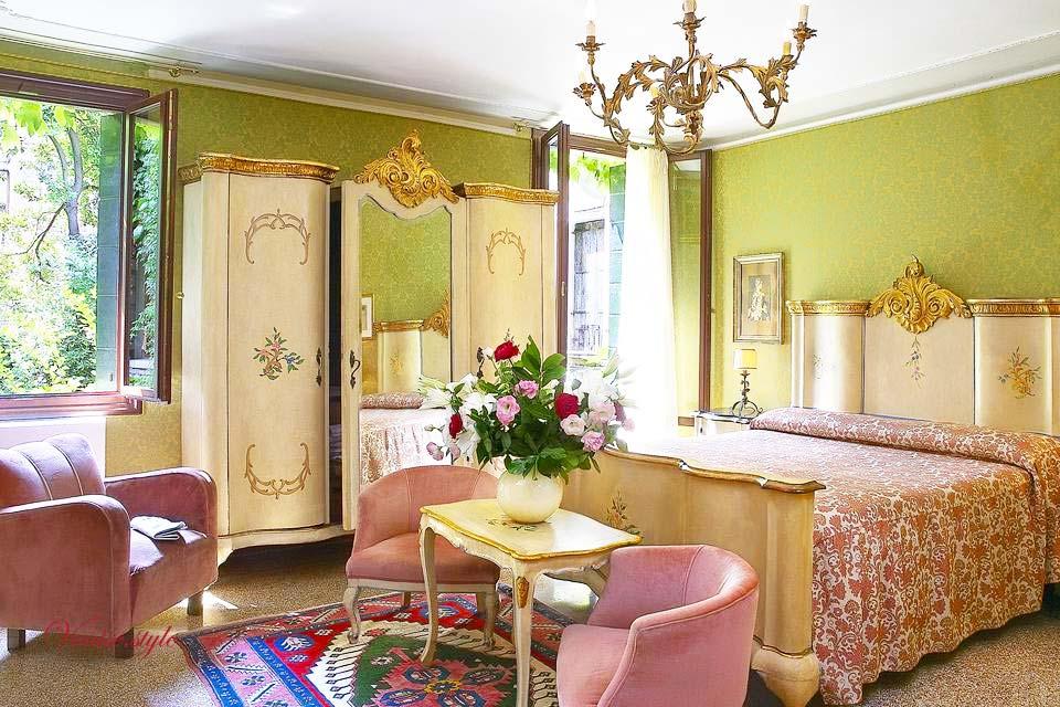 les h tels pas chers venise s lectionn s par oriane et angel. Black Bedroom Furniture Sets. Home Design Ideas